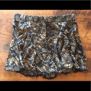 Free People Flowy shorts medium great condition!